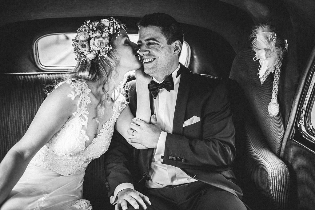 Hochzeitsvideo Paar-in-Auto