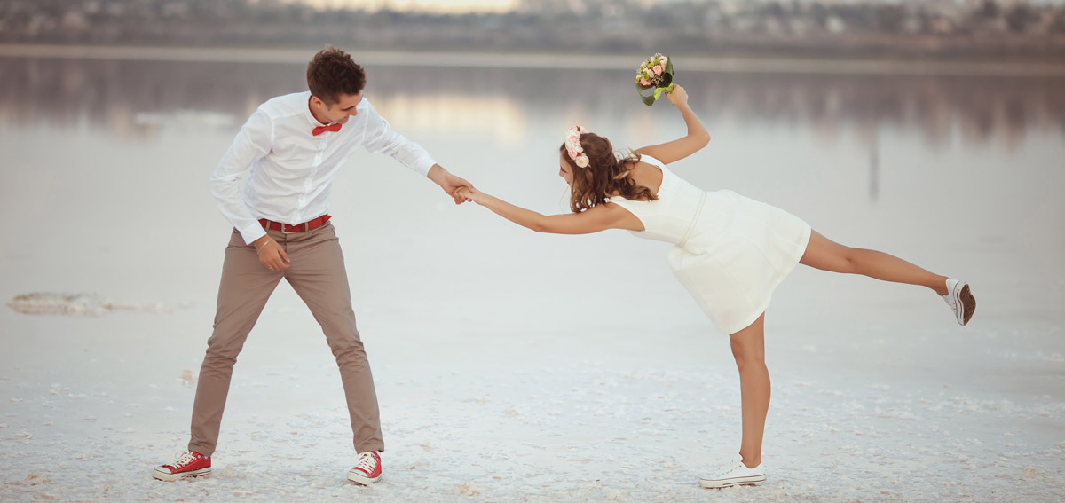 Brautpaar am Strand nach Standesamt